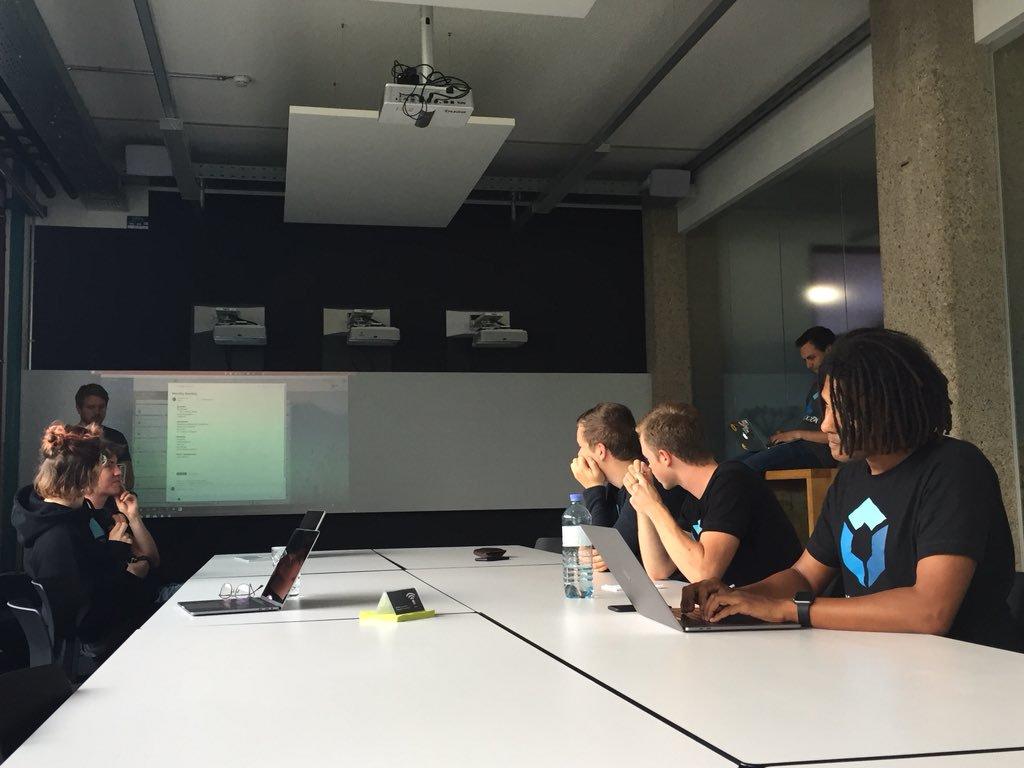 Monatliches Teammeeting von Blockpit in der factory300